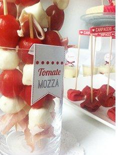 sweet-table-rouge-blanc-pomme-d-amour-romantique