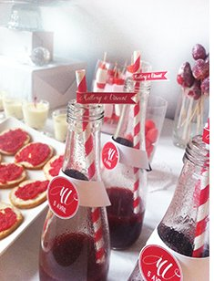 sweet-table-rouge-blanc-theme-amour-paille-rayee