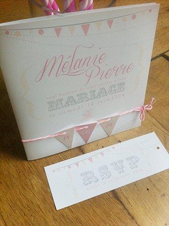 fairepart-mariage-fanion-retro-romantique-rose-blanc
