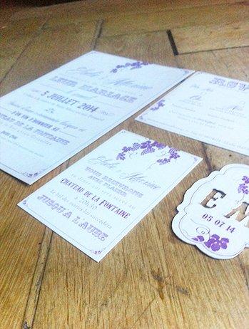 fairepart-mariage-vintage-baker-twine-rayee-violet-beige-theme-vigne
