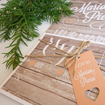 faire-part-mariage-retro-fond-boix-wood-vintage-corail-typo-americain