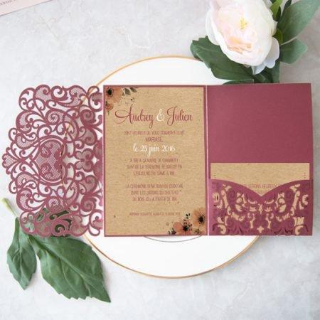 faire-part-mariage-laser-pocketfold-pochette-ciselee-chic-romantique-dentele-kraft-champetre-marsala-burgundy-lie-de-vin