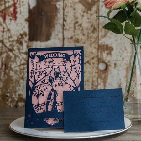 faire-part-mariage-pochette-cisele-decoupe-laser-cut-arbre-couple-amoureux-ballons-pont-romantique-bleu-marine-rose