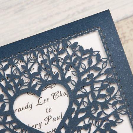 faire-part-mariage-pochette-cisele-decoupe-laser-cut-arbre-irise-nature-champetre-bleu-marine