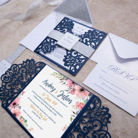 faire-part-mariage-pochette-cisele-decoupe-laser-cut-elegant-glamour-chic-bleu-marine-paillete-or-argent-fleurs-WPL0135