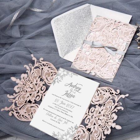 faire-part-mariage-pochette-cisele-decoupe-laser-cut-elegant-glamour-chic-rose-poudre-argent-paillette-strass-fleurs-WPL0156