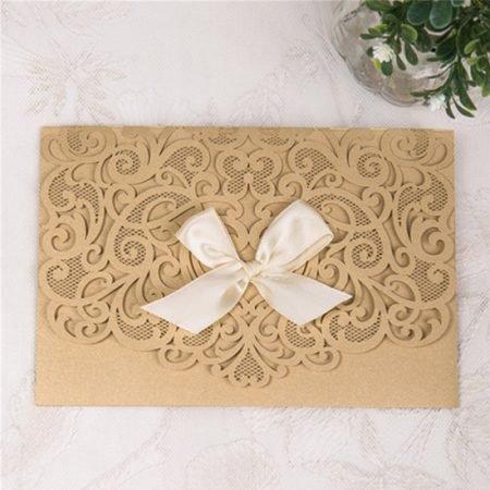 faire-part-mariage-pochette-cisele-decoupe-laser-cut-elegant-glamour-chic-ruban-blanc-or-WPL0076